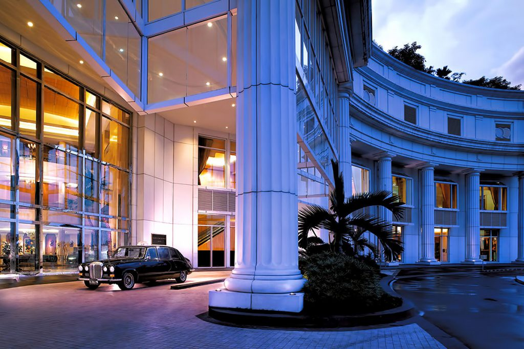 luxury five star hotel uae